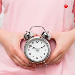 Jak cykl miesiączkowy wpływa na naszą skórę?